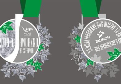 Prezentacja medalu i koszulki. 24. Międzynarodowy Bieg Uliczny w Jaworznie- 15 km oraz 9 km